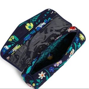NWT Vera Bradley Iconic On A Roll Case Moonlight